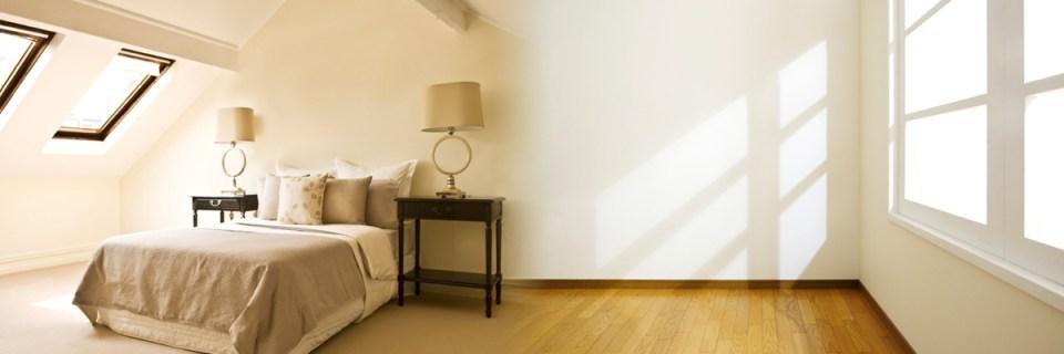 Bedroom - smooth plastered room, loft window