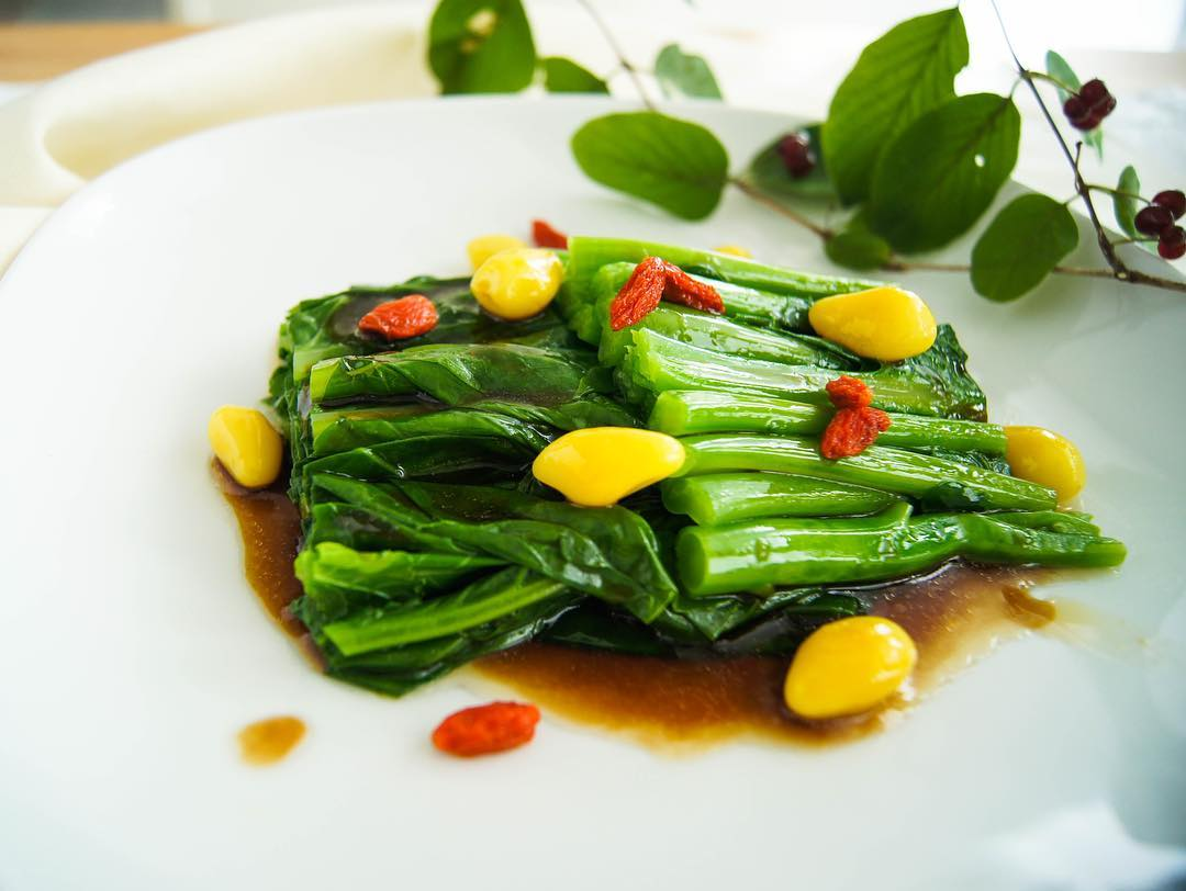 Scalded Chinese Kale with Oyster Sauce