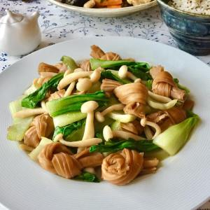 Stir-Fried Bok Choy with White Mushrooms & Yuba in Oyster Sauce