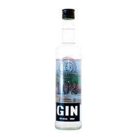 Gin 102 Free Spirit 0,5 l + 6 kom Tonic Free Spirit 0,195 l Međimurj Domaći Gin: Borovnica, korijander, kamilica, korijen Anđelike, korice naranče, limuna čine bogatu aromu kojoj ćete se rado vraćati! Žitni Destilat, voda Free Spirit Tonic Gazirano osvježavajuće bezalkoholno piće s dodatkom šečera #kupujmohrvatsko Naruči dostavu odmah ili zakaži narudžbu na željeni dan i vrijeme