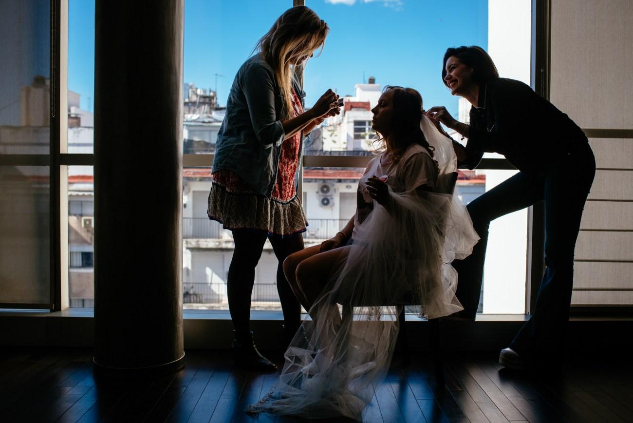 fotografia de bodas en Mio hotel - socias make up y peinados