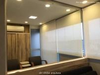 Terraço - Espelho sobre painel com sanca iluminada