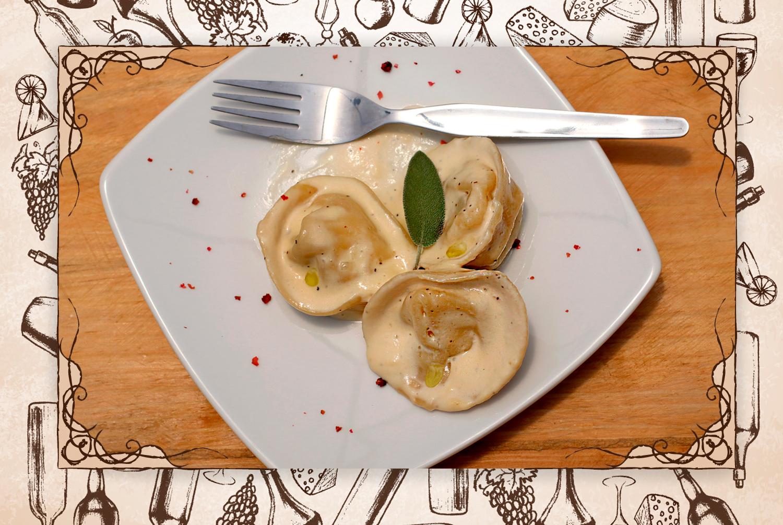 """Plato celebrado: """"A mi esposa le encantaron los ravioli, hechos en casa, rellenos de auyama con crema de salvia y trufa"""".(FOTO: @gastrobrand)"""