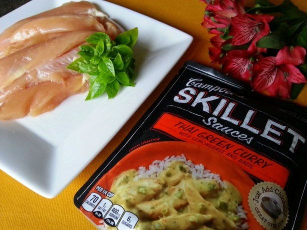 Thai Green Curry Chicken ingredients and Campbells Skillet sauces #dinnersauces