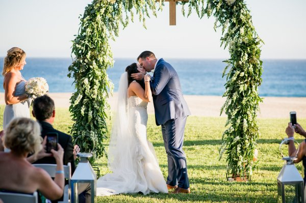 Romance And Luxury An Intimate Beach Wedding In Cabo San