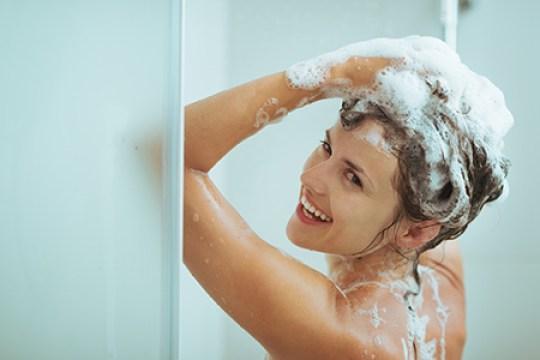 lavando os cabelos
