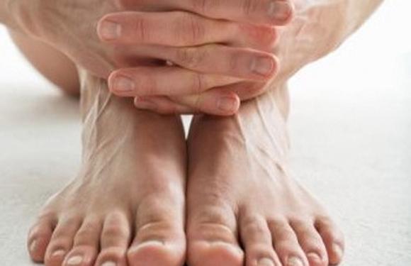 Furnicături și amorțeli în mâini și picioare