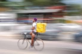 Nueva Sentencia que declara la laboralidad en Glovo. Aplica el Convenio Colectivo del Transporte categoría de Mozo.