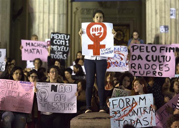 La violación masiva de una adolescente conmueve a Brasil