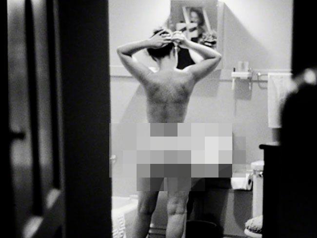 Polémica en Francia por la censura del trasero de Simone de Beauvoir