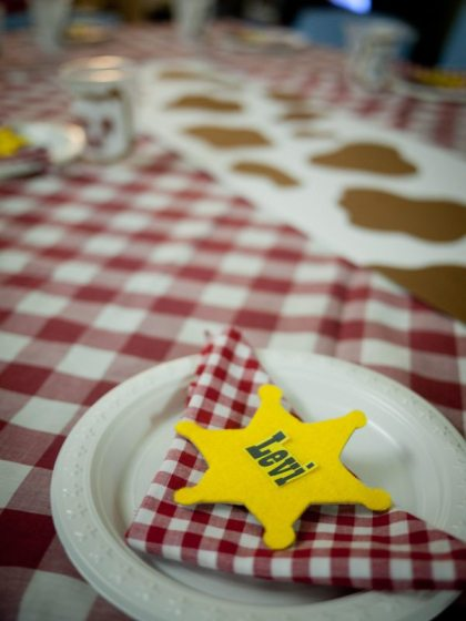 cowboy birthday party table decorations