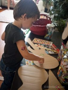Rockstar Kids Birthday Party: decorate your own guitar