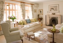 English Style Living Room Design