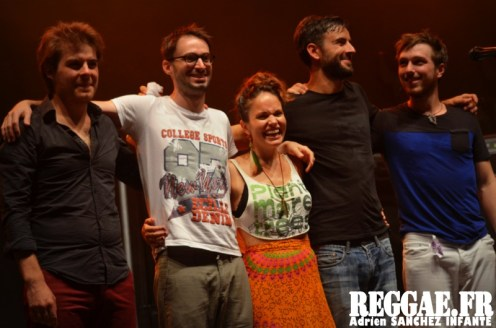 Photo PYRENE Festival 2015 Bordes Pyrénées atlantiques 64 France Reggae Latino photographe adrien sanchez infante Natalia Doco (4)