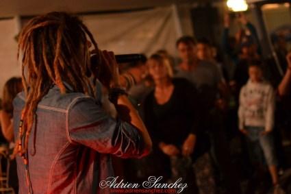 photo boom faya reggae night dougy pierroots eurosia sound twan tee le porge camping de la grigne médoc photographe adrien sanchez infante (28)