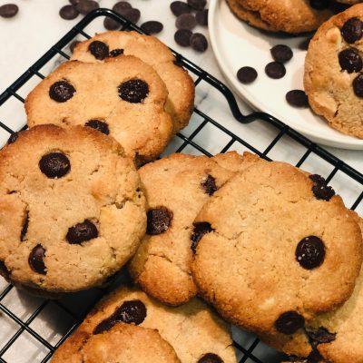 Coconut, Macadamia & Chocolate Chip Cookies