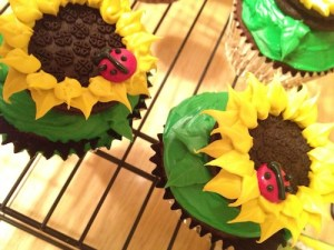 sunflower and lady bug cupcakes