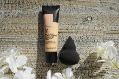 matte clay skin clarifying foundation sponge