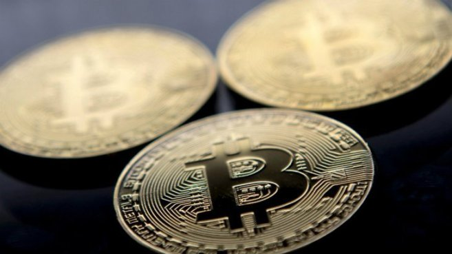 """El bitcoin quebró la """"barrera psicológica"""" de u$s 10.000 y podría superar niveles récord"""