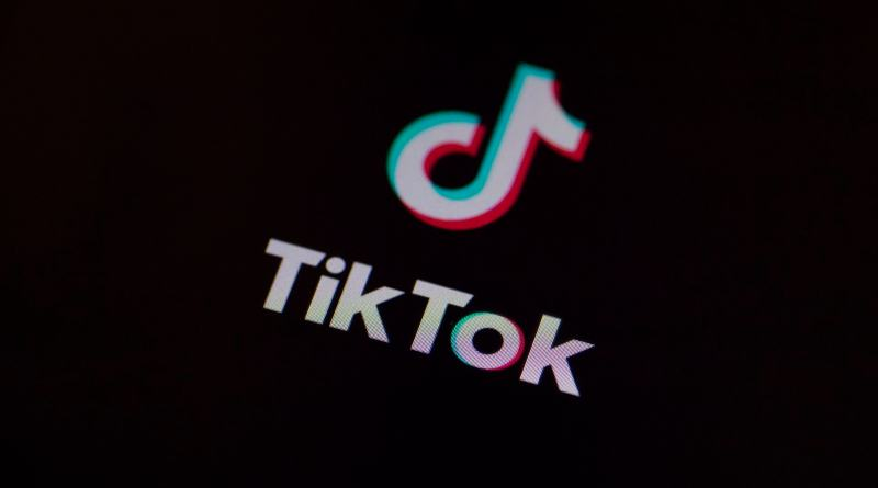 """TikTok lanza Stitch, para """"retuitear"""" fragmentos de vídeos de otros usuarios"""