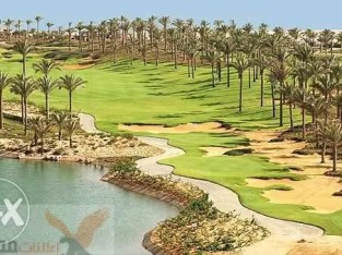Villa 2nd row in golf in Katameya Dunes new cairo for sale