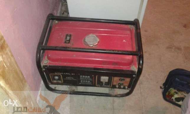 مولد كهربا 5كيلو بيخرج 3 استعمال خفيف جدا مرش ومنفلة يعتبر جديد