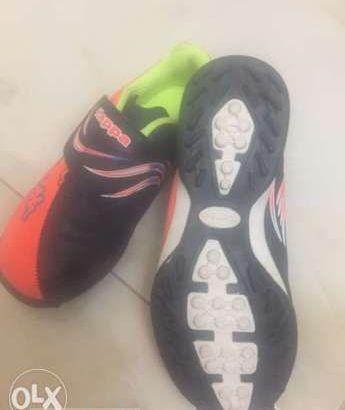 حذاء اطفال جديد