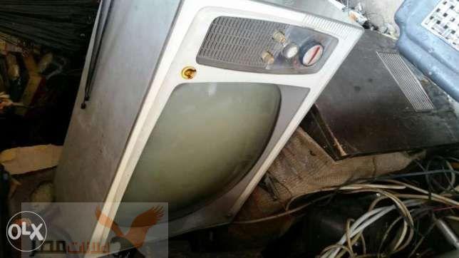 تلفزيون موديل قديم انتيكه