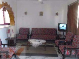شقة بالفرش 3 غرف 2 حمام 120م مسجلة واجهه بحرية بجوار البحر في النخيل