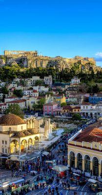 Vista de Plaka y de fondo, el Acrópolis. Atenas.