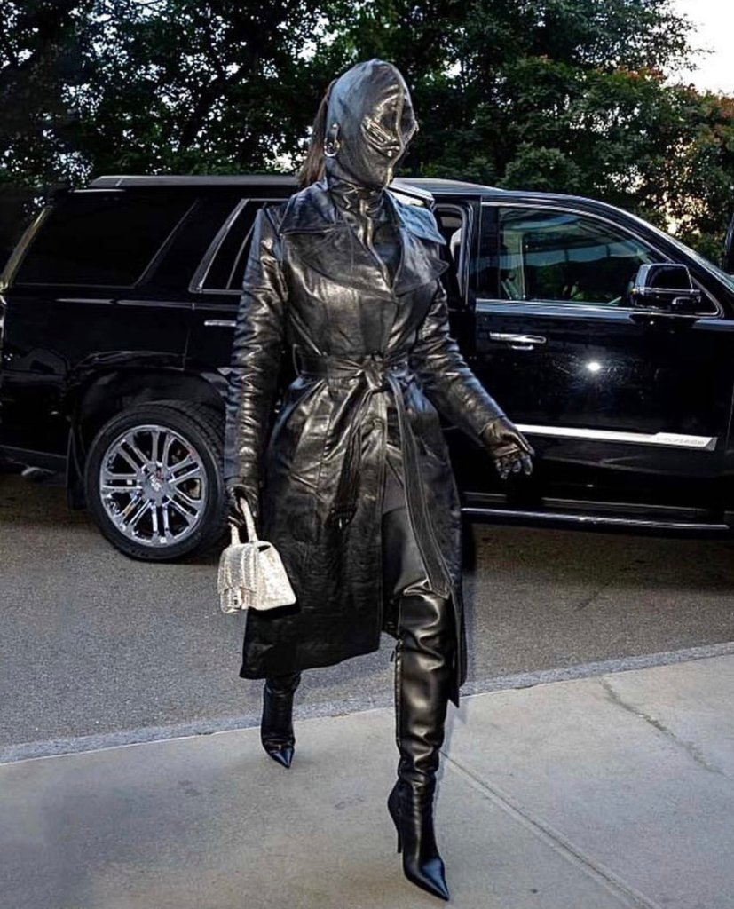 Kim Kardashian face covered outfit