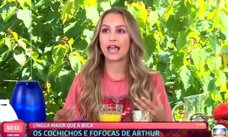 carla diaz fica chocada ao ver vídeos de arthur (foto: reprodução/tvglobo/globoplay)