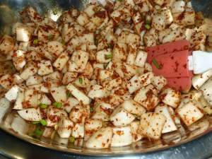 Turnip combined with Korean red pepper flake mixture