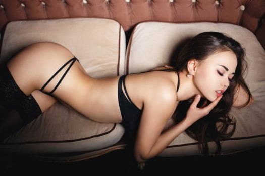 Camgirl streaming live