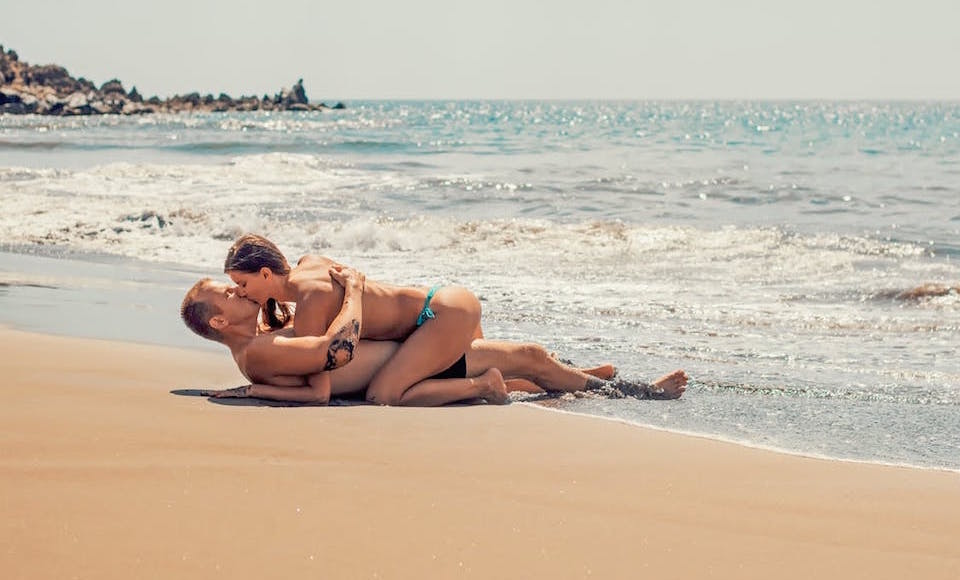 kiss on beach