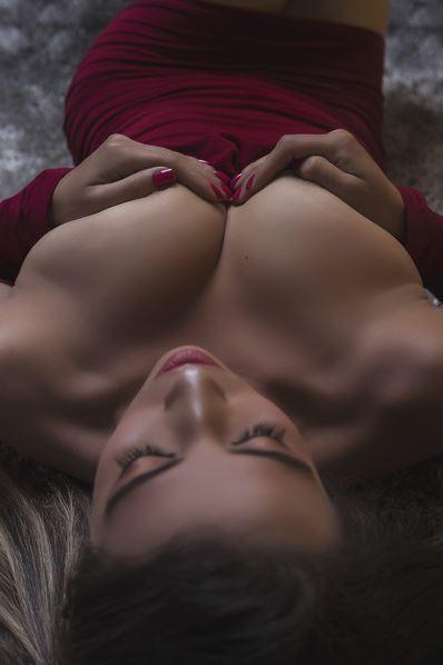 Submissive Webcam Model Sheinaa