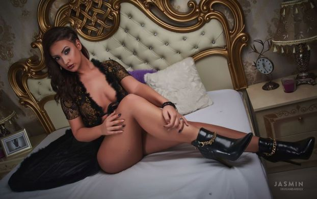 hottest adult cam shows