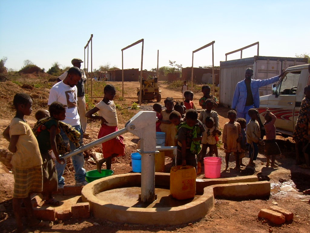 THE VOSS FOUNDATION AND GMF PARTNER TO CHANGE LIVES BY BUILDING A FRESH WATER WELL