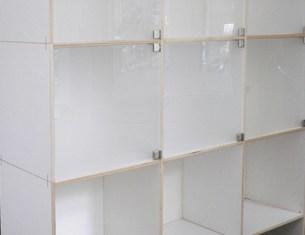 Mit Türen in Acrylglas