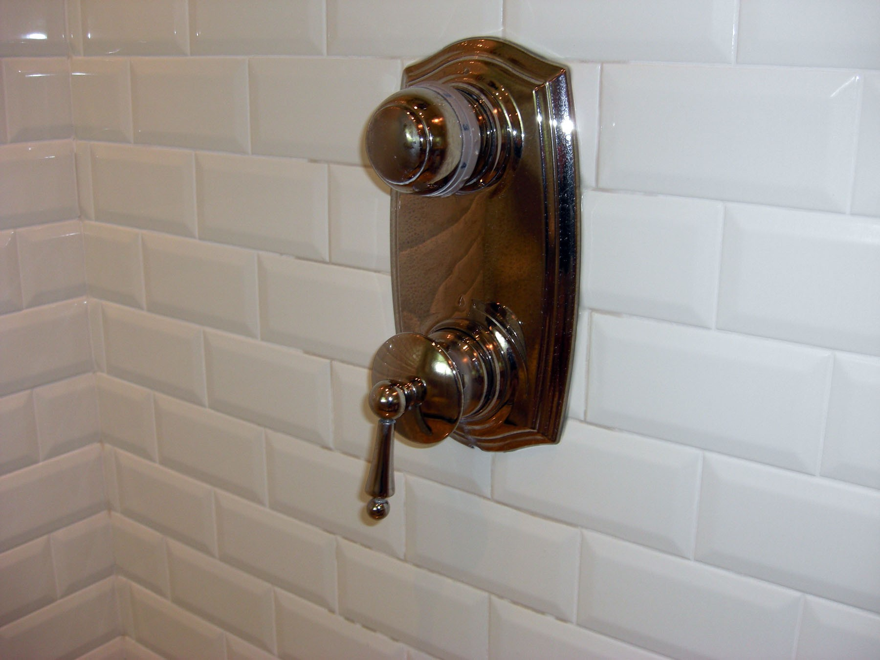differences between shower faucets