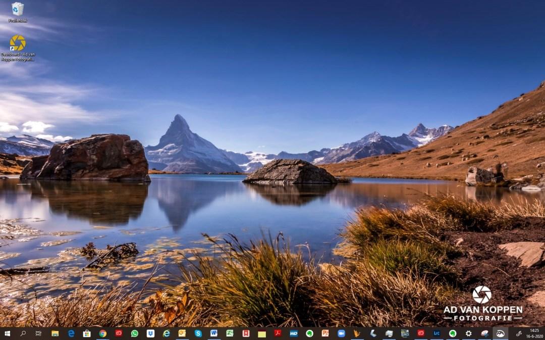 Landschapsfoto van de Matterhorn met zijn weerspiegeling in de Stellisee.