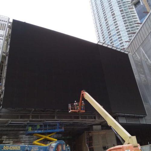 4.9 - Dubai Mall LED Screens - Dactronics (March 2017