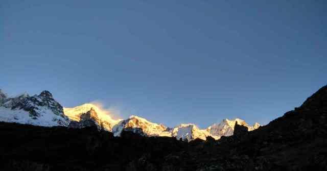 Goecha la Trek _Adventure-Pulse Sunrise viewpoint
