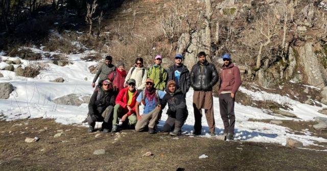kashmir winter trek Marchoi_Adventure-pulse_Trek team at base camp