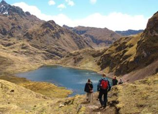 Hiking from Lares to Pataca