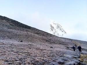 Foggy hike up Kala Patthar