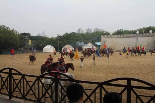 騎馬民族ショーの写真2