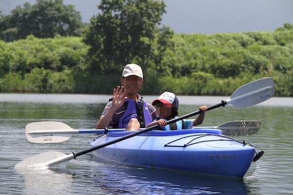 カヌーをする写真