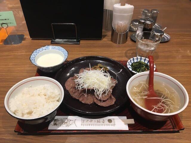 牛たんの通定食の写真