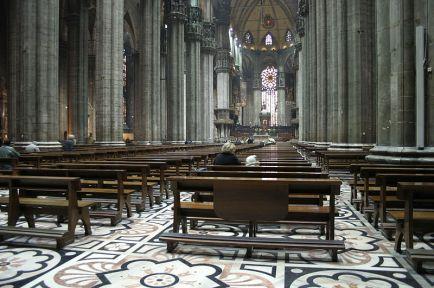 800px-IMG_3712_-_Milano_-_Duomo_-_Interno_-_Foto_di_Giovanni_Dall'Orto_-_13-jan-2007